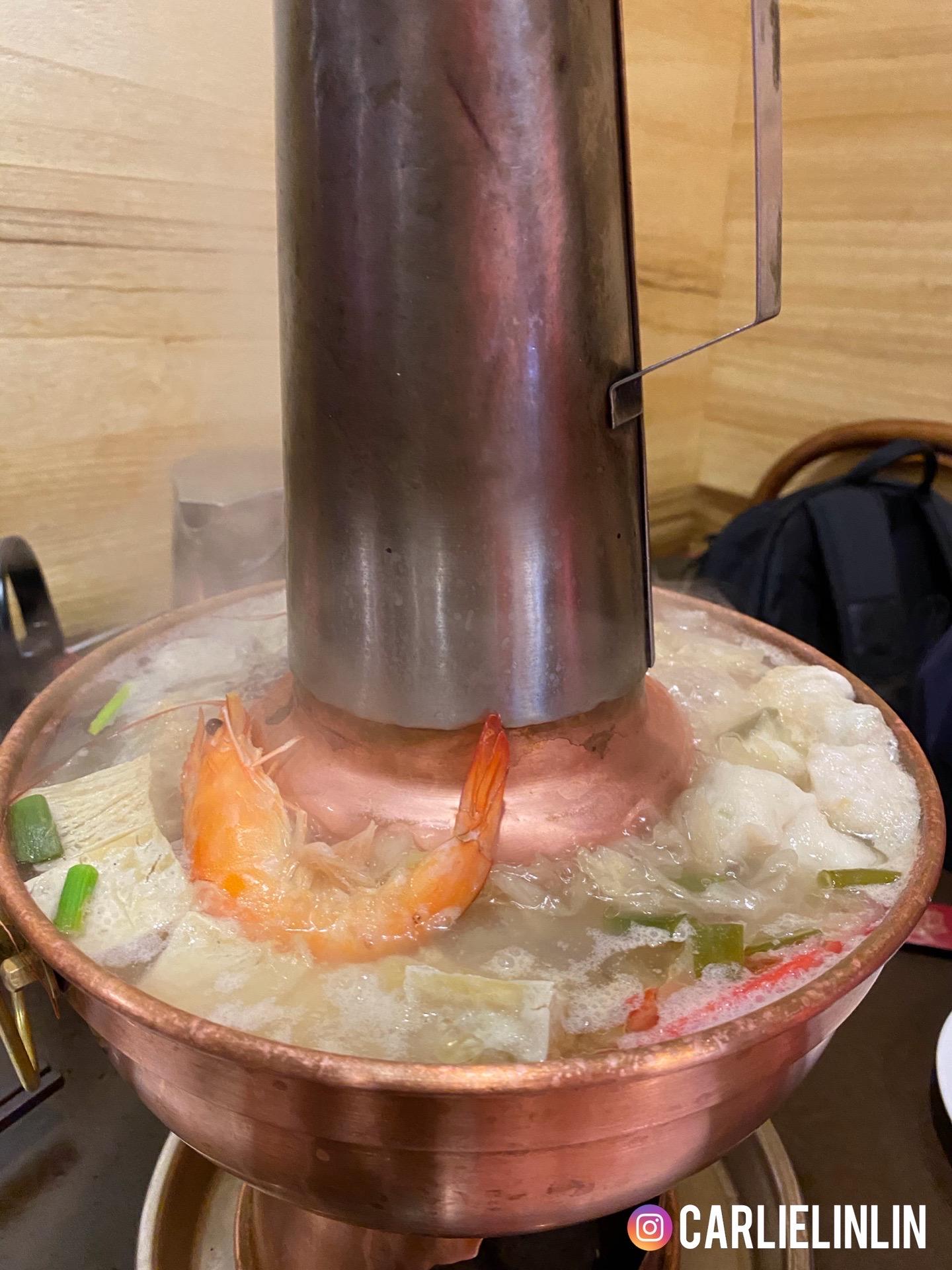 小0食記|松江南京火鍋|四平小館|老字號酸菜白肉鍋、蘿蔔酥餅、松柏長青、古早炸冰淇淋